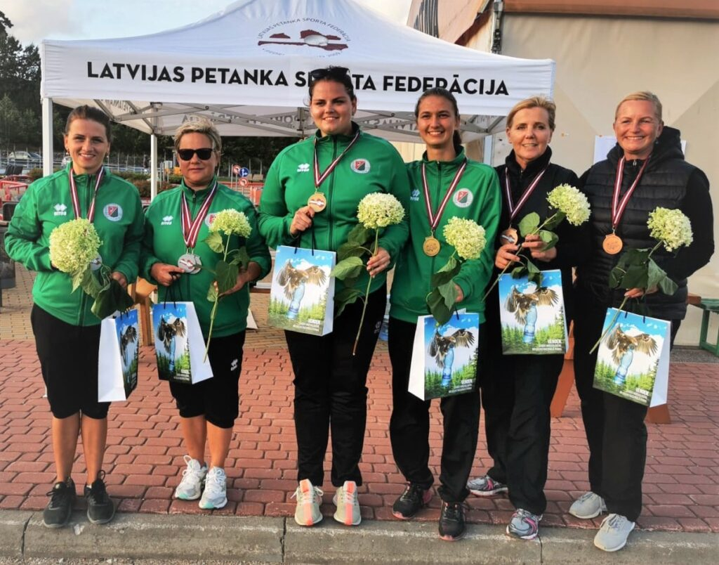 2021. gada Latvijas čempionāta sieviešu dubultspēlēs medaļnieces